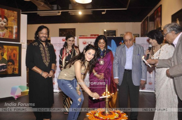 Ameesha Patel inaugurates  CPAA Art Exhibition
