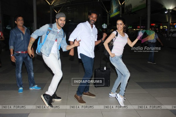 Prabhudeva, Varun Dhawan and Shraddha Kapoor Dances at Airport