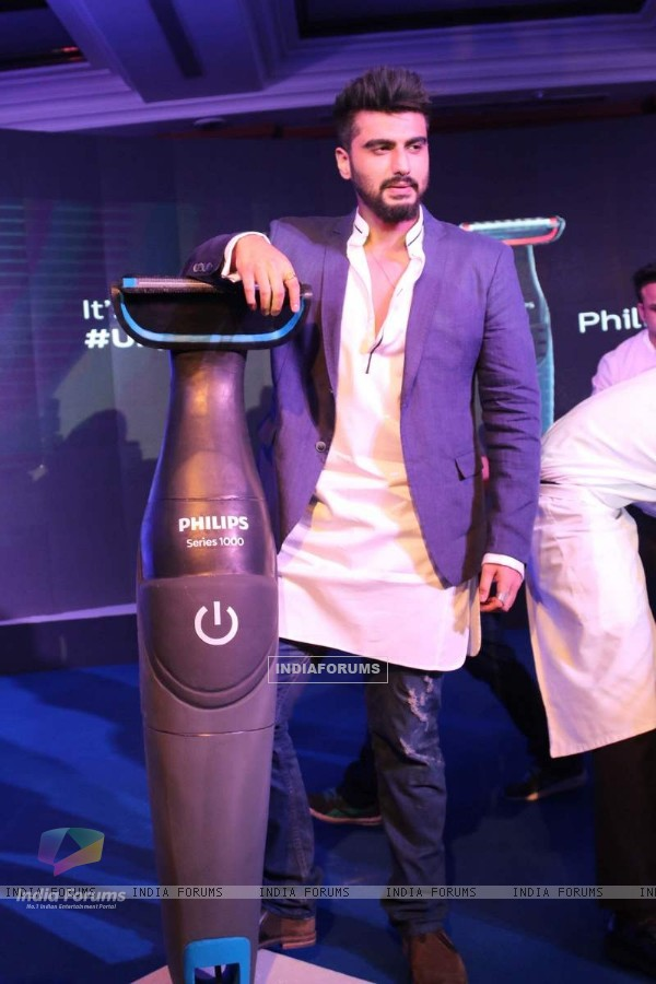 Arjun Kapoor Poses With Philips Trimmer