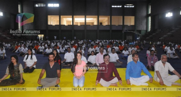 Celebs Celebrate International Yoga Day!