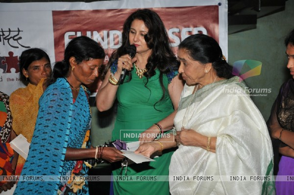 Asha Bhosale at Poonam Dhillon's Charity Event for Maharashtra Farmers