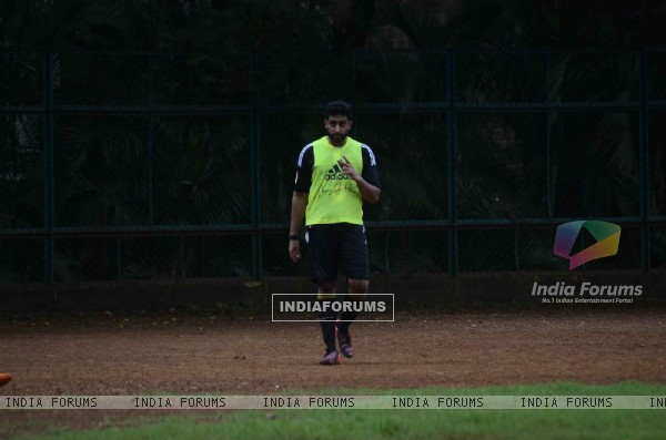 Abhisheck Bachchan Snapped Doing Football Practice!