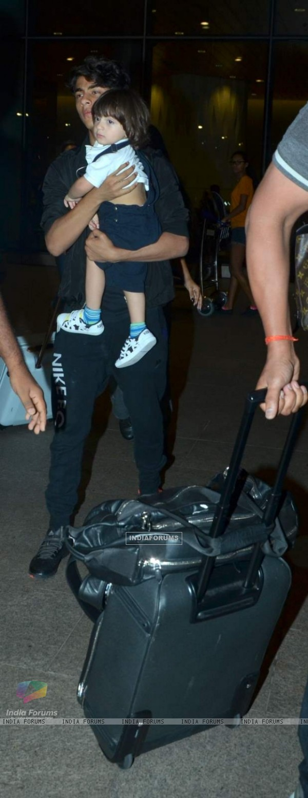 Aryan Khan with AbRam Returns from Family Vacation in London!