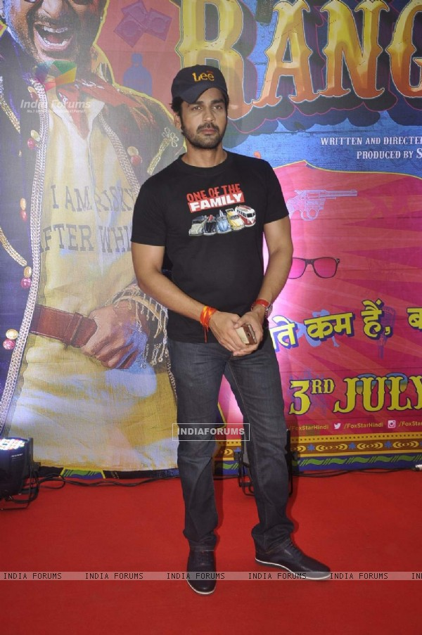 Arjan Bajwa at Premiere of Guddu Rangeela