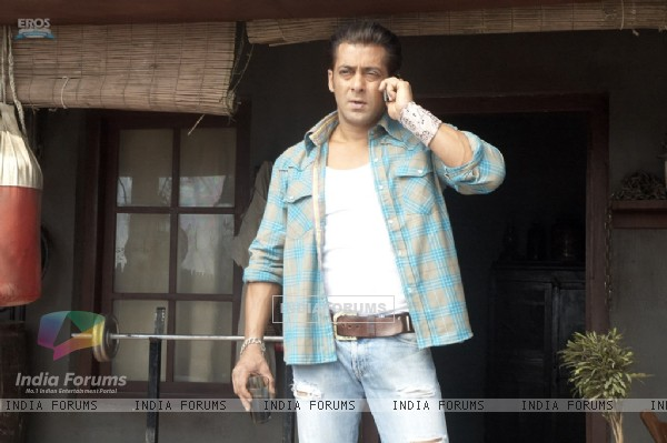 Salman Khan looking upset (36981)