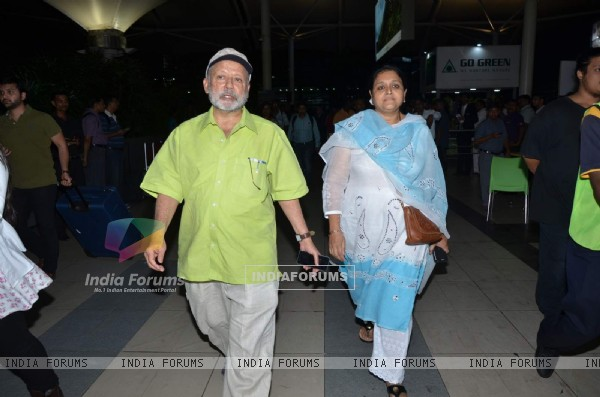 Pankaj Kapoor and Supriya Pathak snapped at Airport