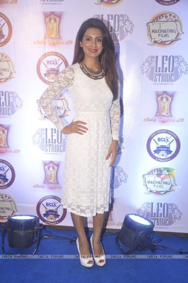 Geeta Basra poses for the media at the Press Meet of Box Cricket League
