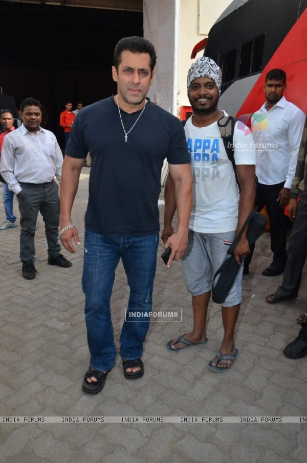 Salman Khan With Fan Snapped at Mehboob