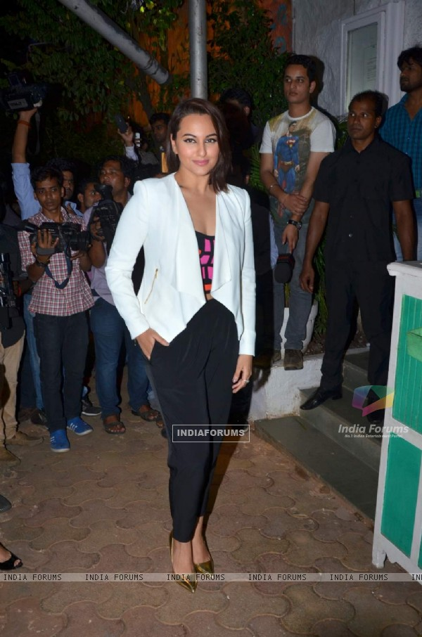 Sonakshi Sinha at Success Bash of ABCD 2