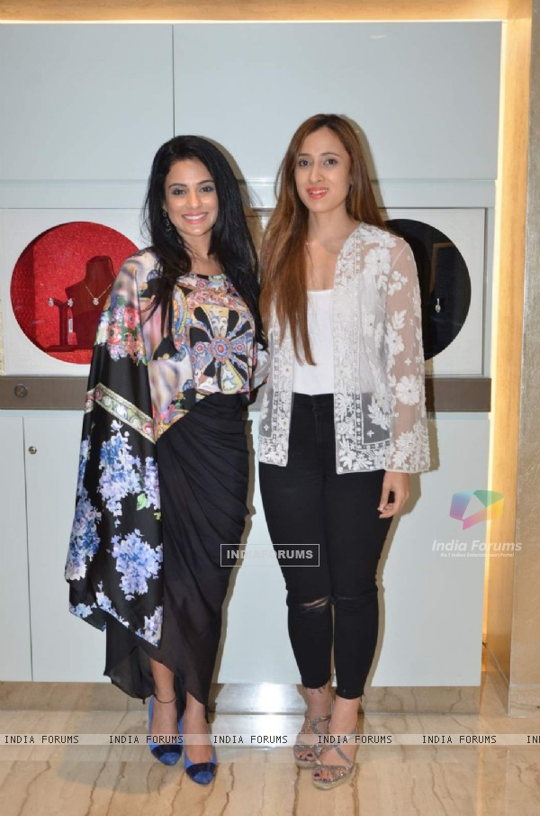 Saraa Khan and Shehla Khan at Launch of Zoya - Exquisite Diamond Jewelry