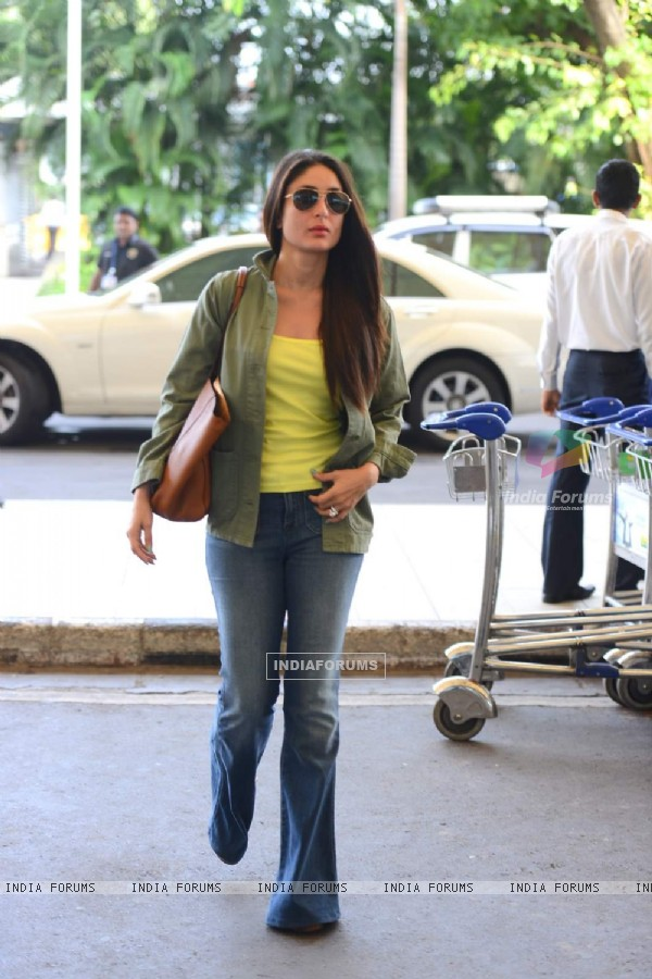 Kareena Kapoor Khan Leaves for Delhi