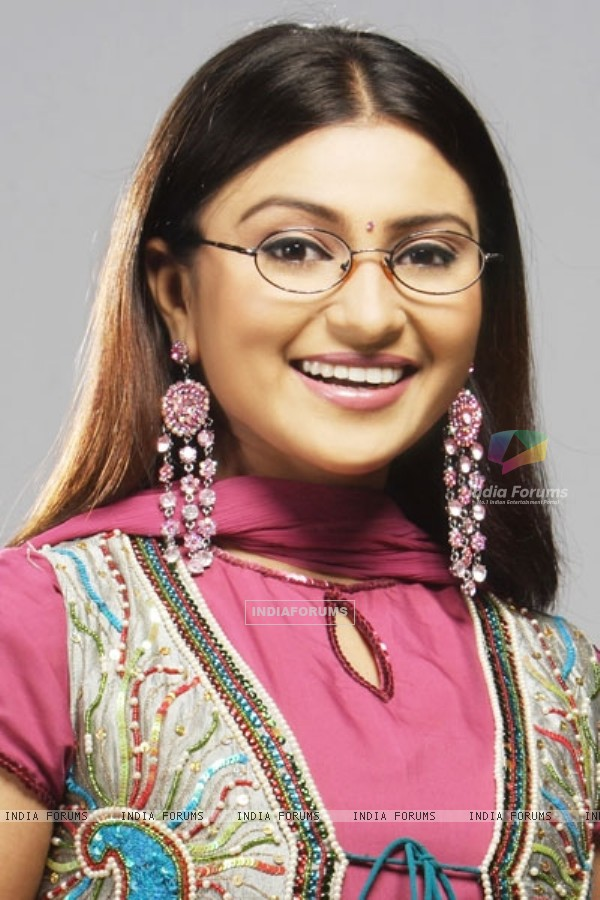 Aleeza Khan as Gauri