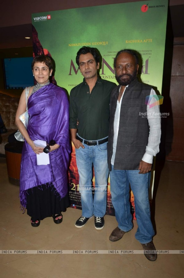 Deepa Sahi, Ketan Mehta and Nawazuddin Siddiqui at Trailer Launch of Manjhi - The Mountain Man