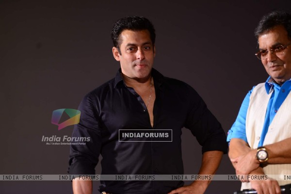 Salman Khan gives a dashing pose at the Trailer Launch of Hero