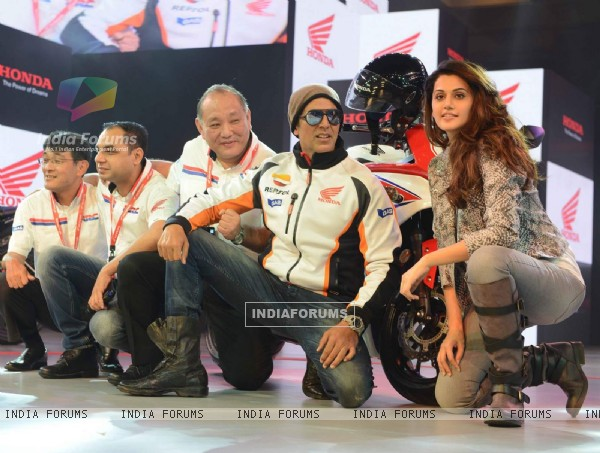 Akshay and Taapsee With Their Awesome Looks at Launch of Honda CBR 650F
