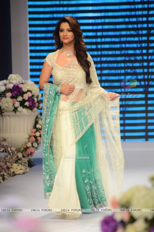 Adaa Khan at IIJW 2015