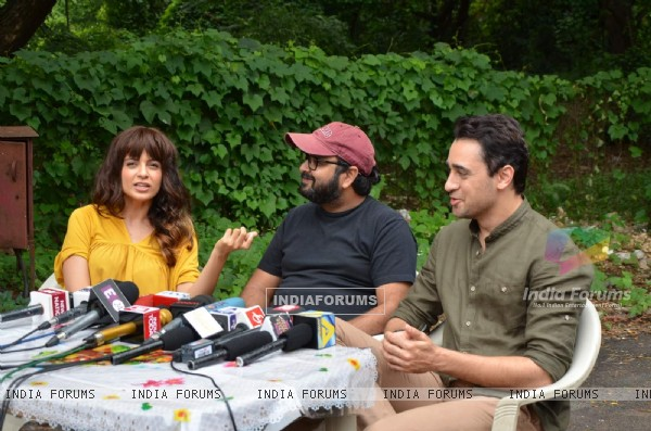 Nikhil Advani, Kangana Ranaut and Imran Khan on Location of Katti Batti