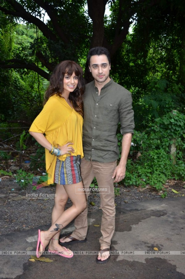 Imran Khan and Kangana Ranaut on Location of Katti Batti