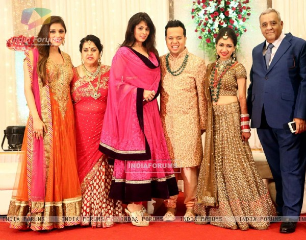 Aarti Chabria and Anjana Sukhani at Luv Israni Wedding