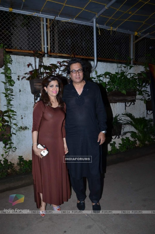 Talat Aziz and Bina Aziz at Screening of Jaanisaar