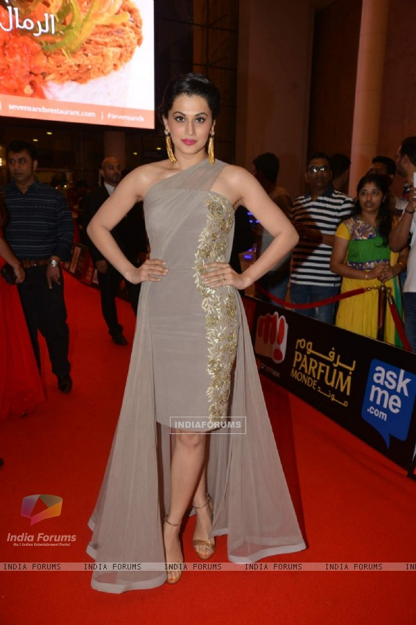 Taapsee Pannu at SIIMA 2015