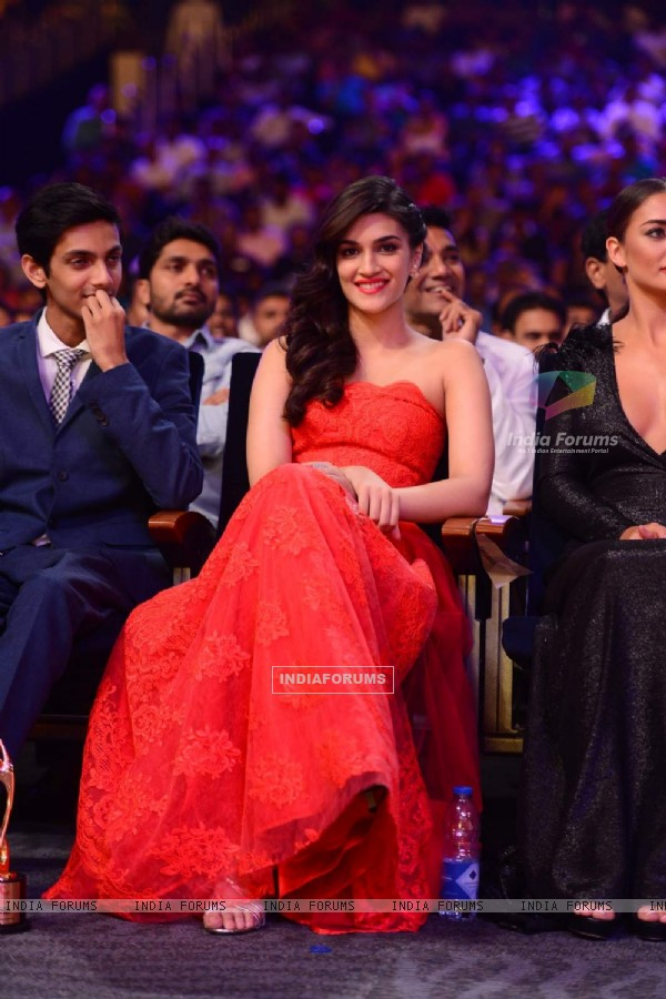 Red Hot Kriti Sanon at SIIMA 2015 Day 3