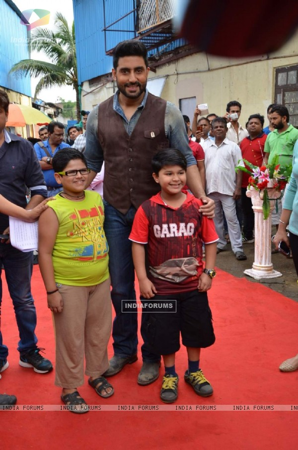 Abhishek Bachchan Promotes All Is Well on Badi Door Se Aaye Hain