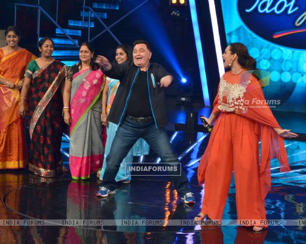 Rishi Kapoor Dances During Promotions of All is Well on Indian Idol Junior