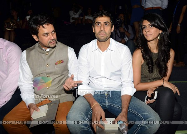 Anurag Thakur and Ashish Nehra with His Wife at BMW India Bridal Fashion Week
