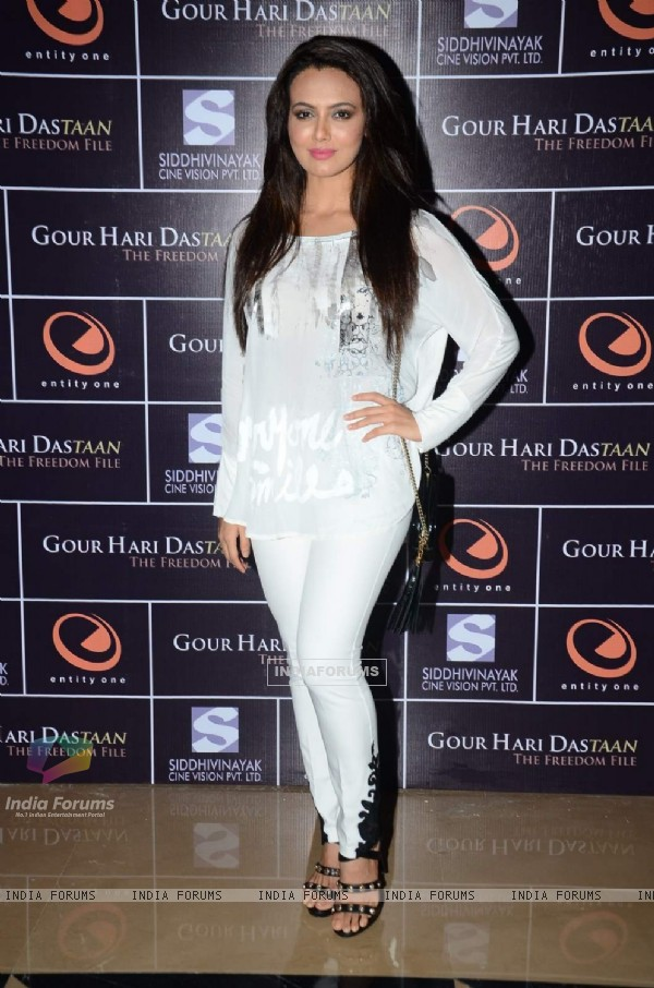 Sanaa Khan poses for the media at the Premier of Gour Hari Dastaan