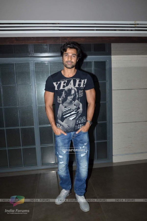 Hanif Hilal poses  for the media at the Special Screening of Angrej