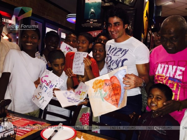 Gautam Rode Recieve Greetings form Kids on His Birthday