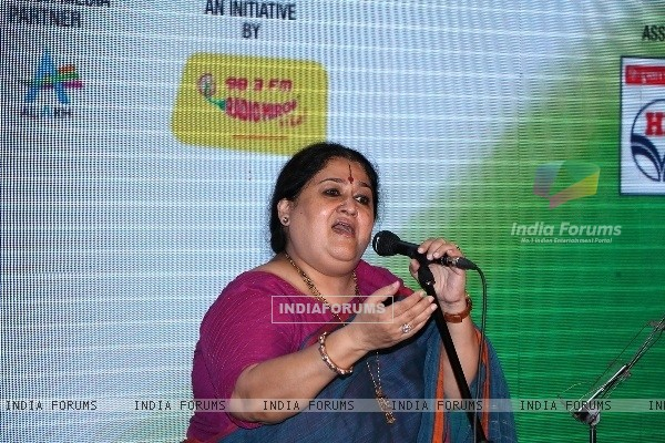 Shubha Mudgal Performs at Mirchi Live