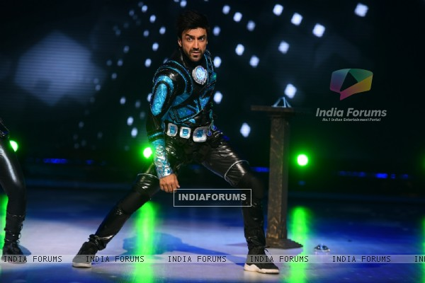 Ashish Chowdry Performs at Jhalak Dikhla Jaa 8