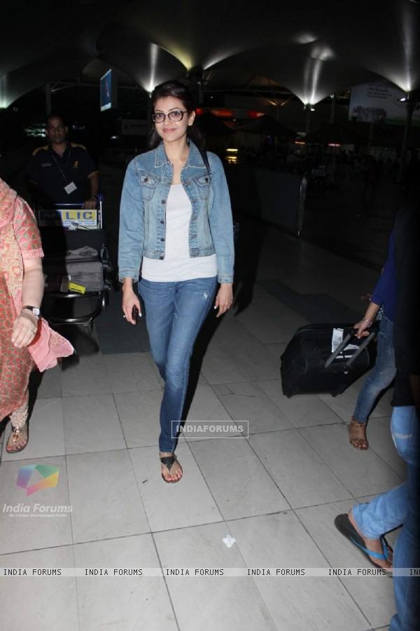 Kajal Aggarwal at Snapped at Airport