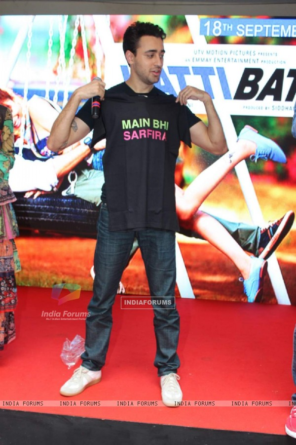 Imran Khan for Promotions of Katti Batti at MMK College