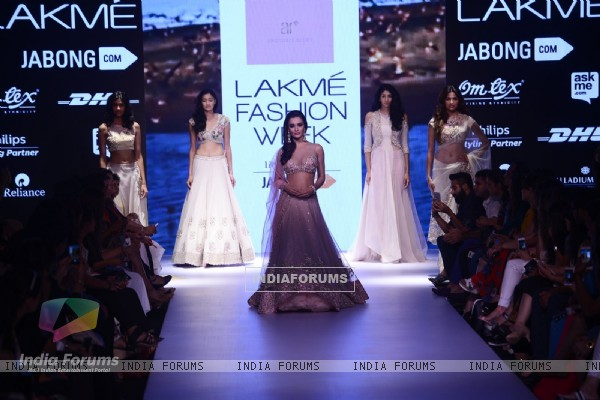 Amy Jackson at Lakme Fashion Week Day 5