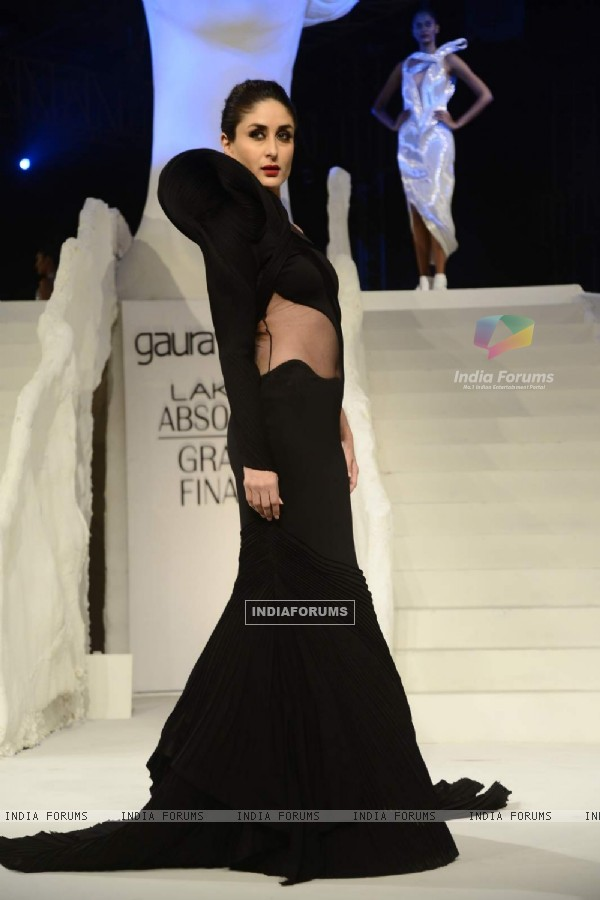 Kareena Kapoor walks the ramp for Gaurav Gupta at the Lakme Fashion Week Grand Finale