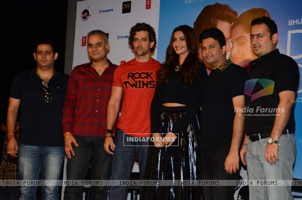 Hrithik Roshan, Sonam Kapoor and Bhushan Kumar at Song Launch of 'Dheere Dheere Se'