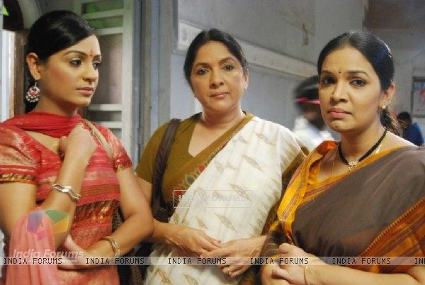 Shubha, Nanda and Bably in Ladies Special