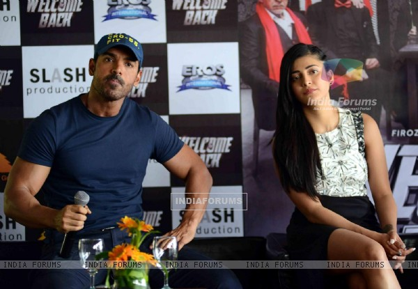 John Abraham and Shruti Haasan for Promotions of Welcome Back at Delhi
