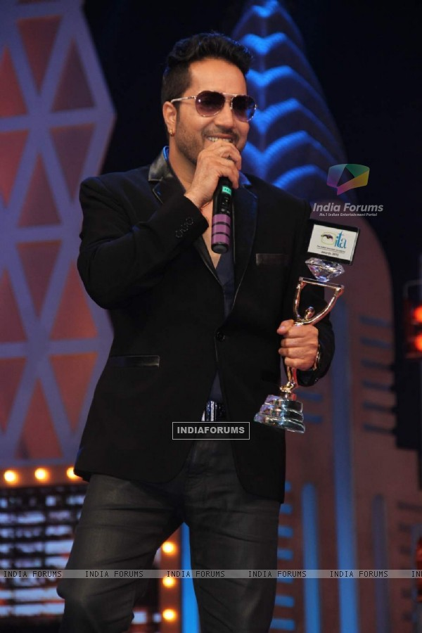 Mika Singh at GR8 ITA Awards