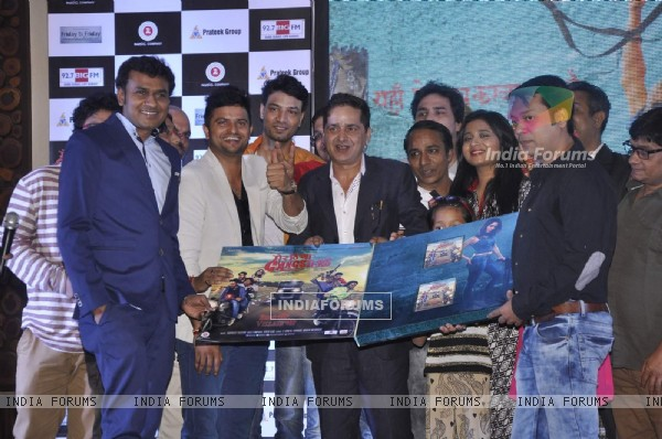 Suresh Raina and Aakash Dahiya at Music Launch of Meeruthiya Gangsters