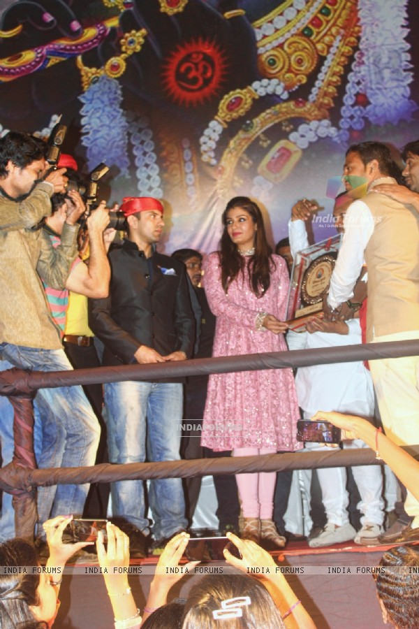 Raveena Tandon and Tehseen Poonawalla at Dahi Handi Event in Pune