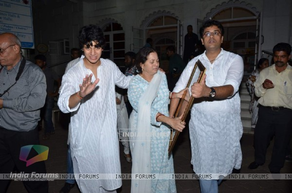 Aadesh Shrivastava's Family at Prayer Meet