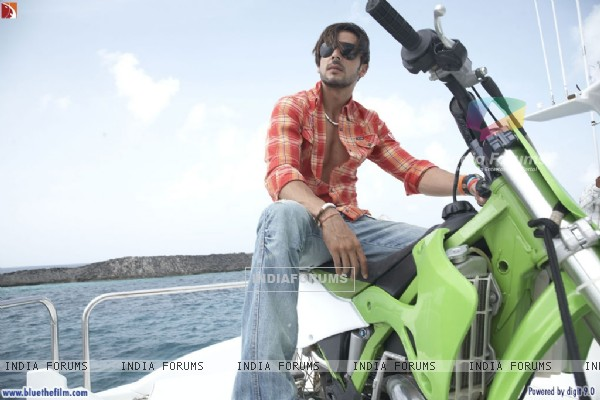 Zayed Khan sitting on a bike (37812)