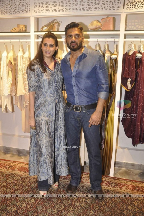 Suniel and Mana Shetty at Launch of Kashish InFiore Store