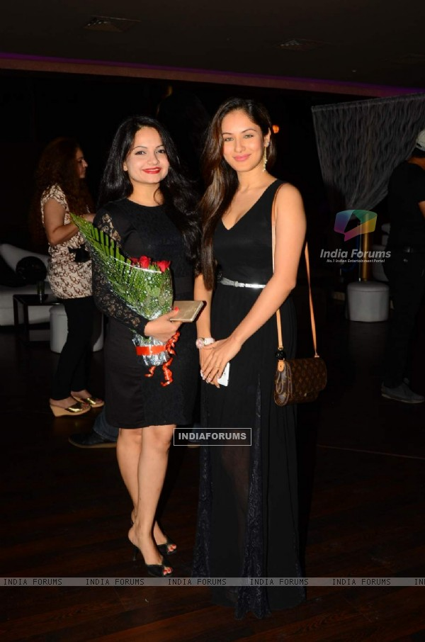Giaa Manek at Munisha Khatwani's Birthday Bash