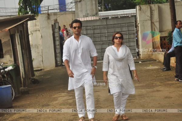 Rohit Roy Funeral of Karim Morani's Mother