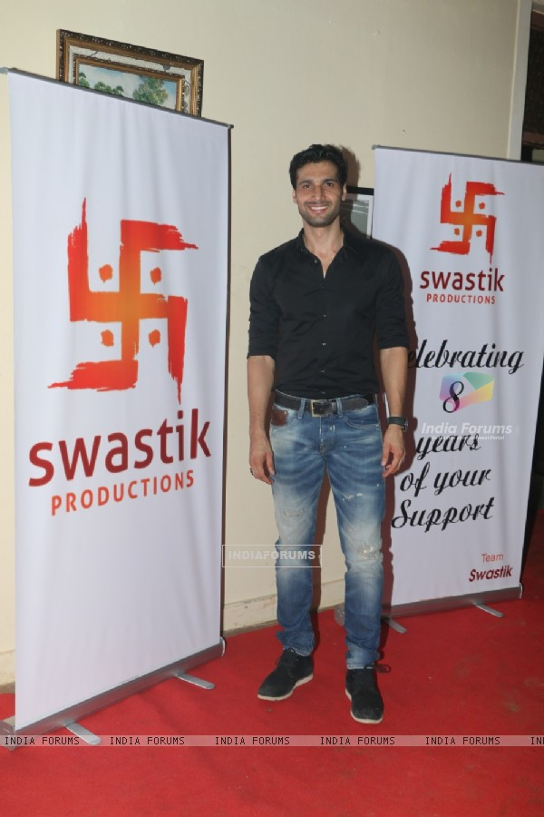 Aham Sharma at Siddharth Kumar Tewary's Birthday Bash
